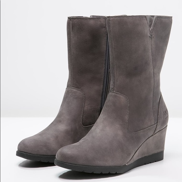 87cd88c4311 NEW UGG JOELY Color:CHARCOAL waterproof NWT